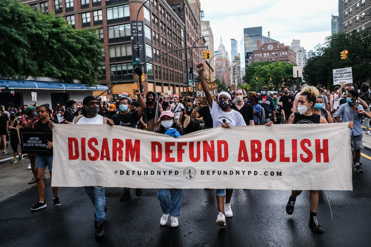 Poll shows majority of New Yorkers oppose defunding the police