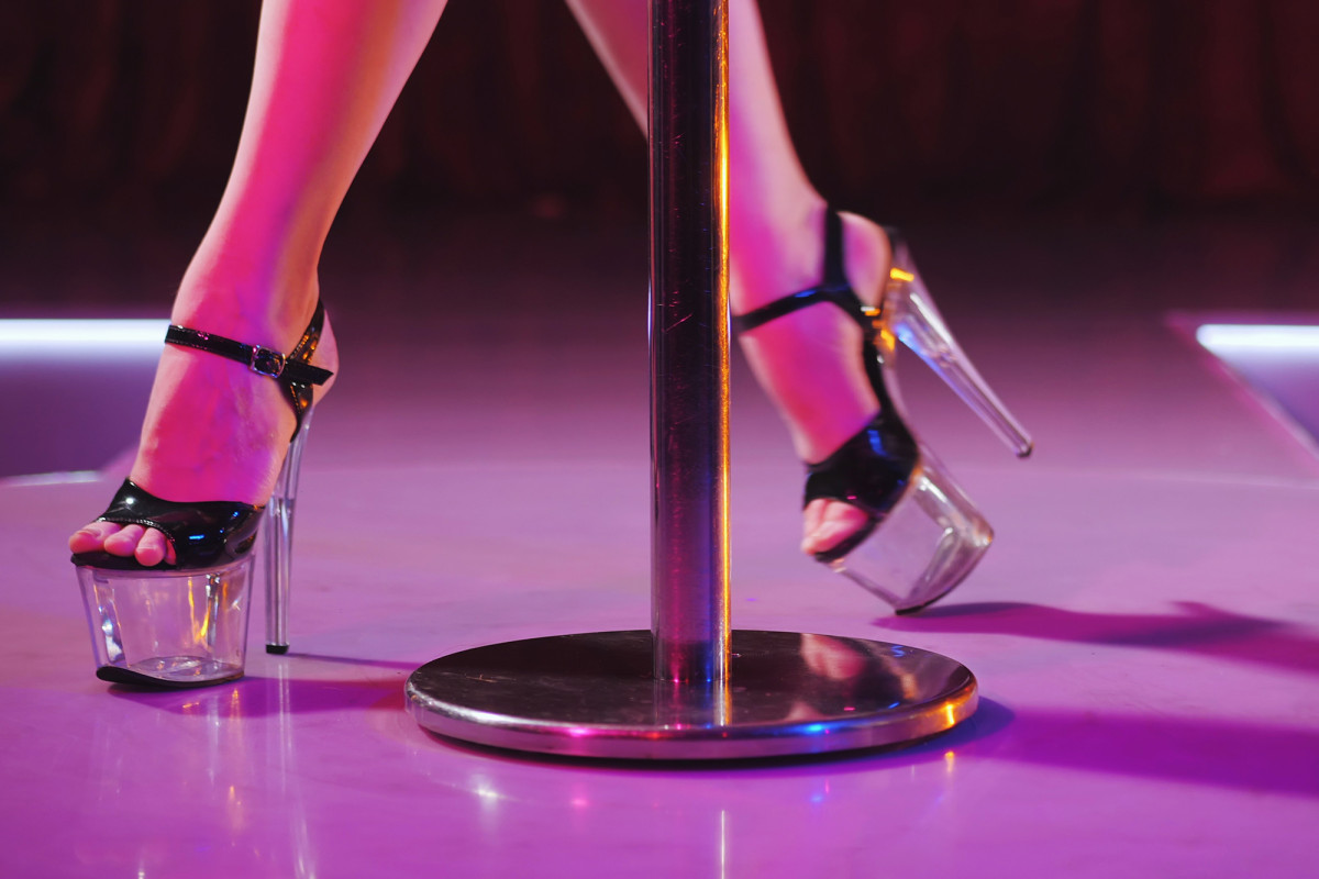 Coronavirus surge not enough to halt lap dances in Miami