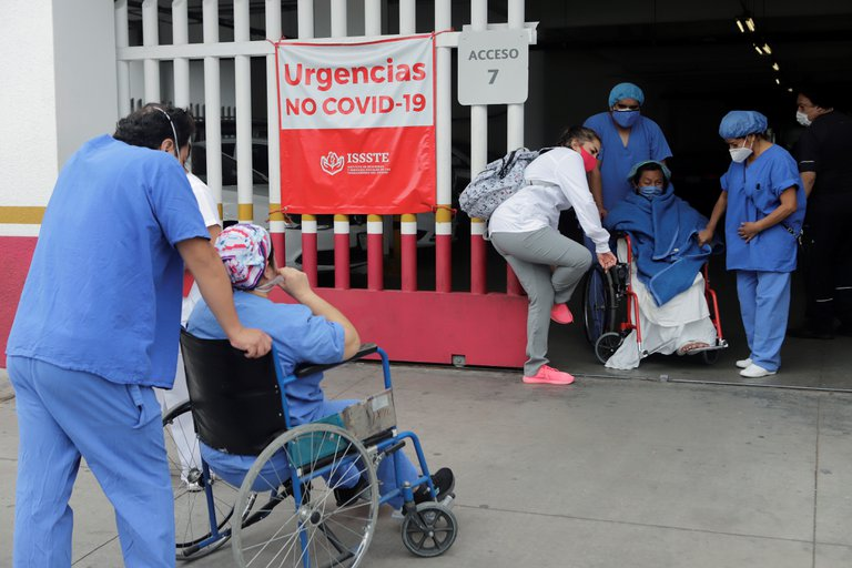 Mexico reports another daily record of COVID-19 infections