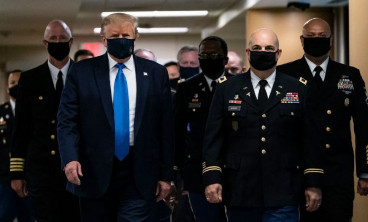 Donald Trump finally wore a mask in public