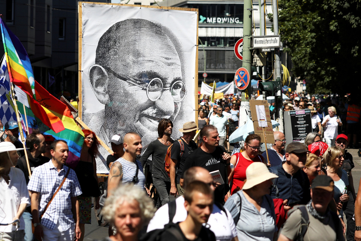 Thousands of maskless Germans protest COVID-19 rules in Berlin