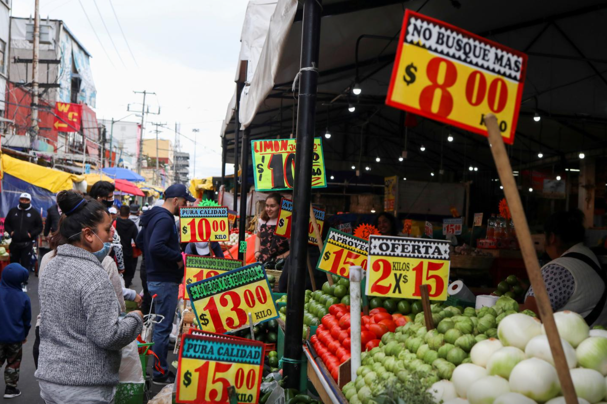 Mexico inflation near 15-month high ahead of rates decision