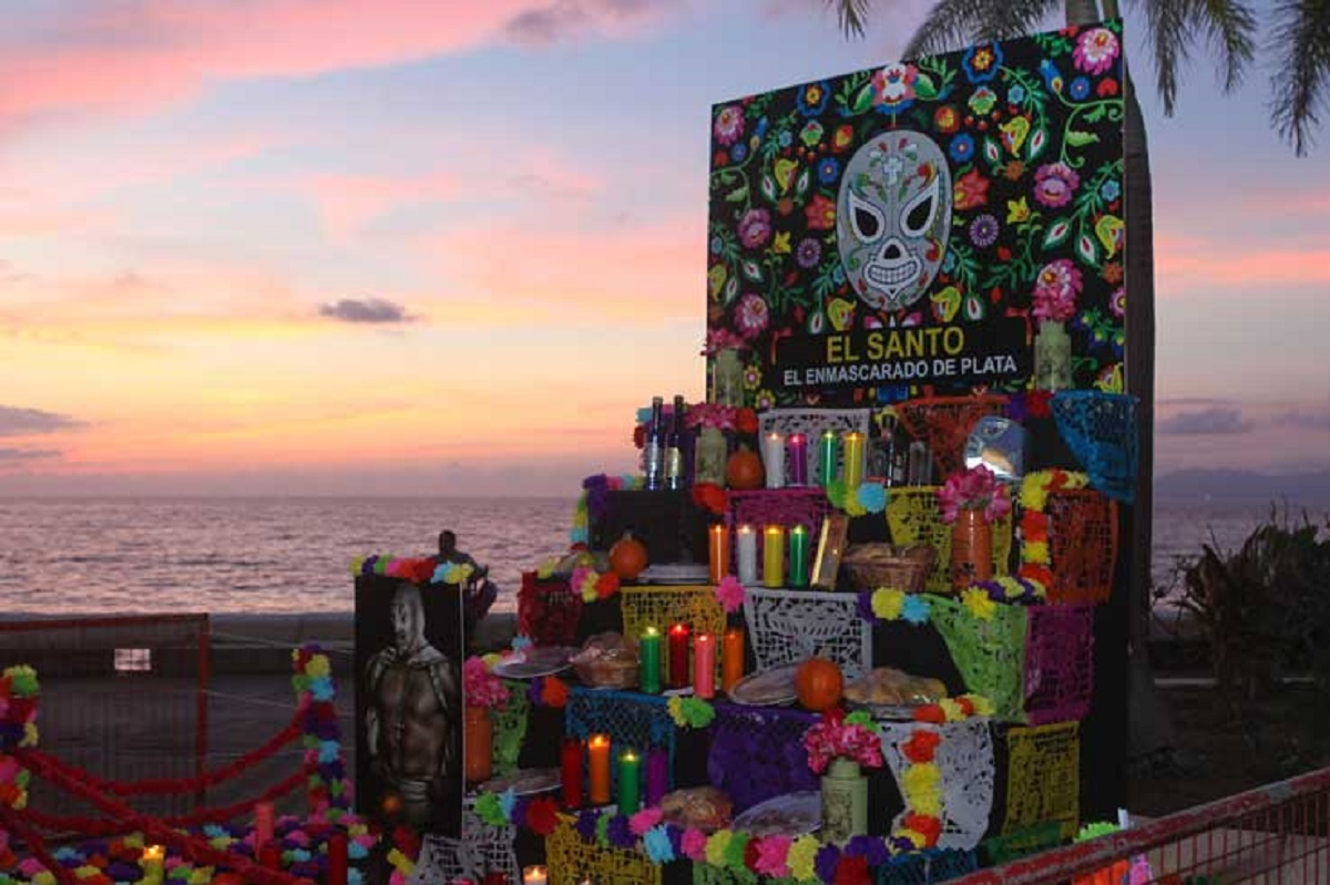 Day of the Dead celebrations and cemeteries will remain closed due to COVID-19