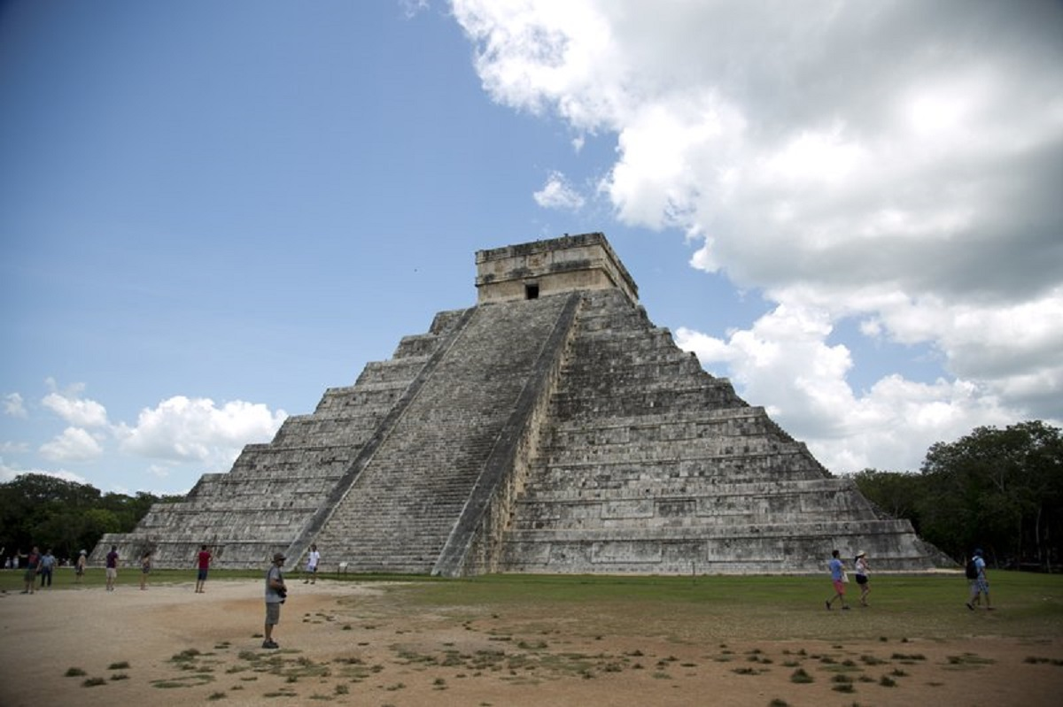 Mexico experts find 2,000 ruin sites near Maya train route